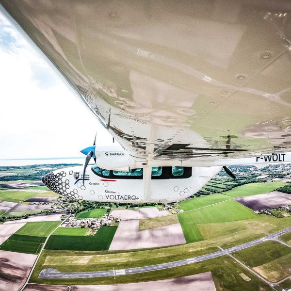 Edeis et VoltAero organisent le 1er Tour de France en avion hybride